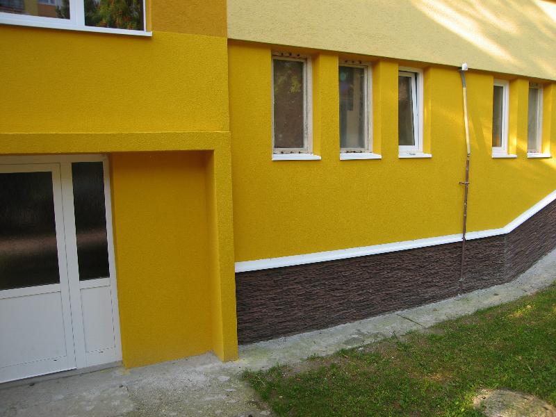 Obnova soklovej časti budovy.