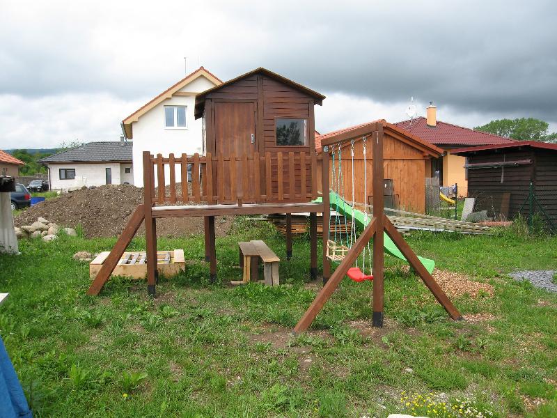 zahradny-domcek-a-detske-ihrisko-2